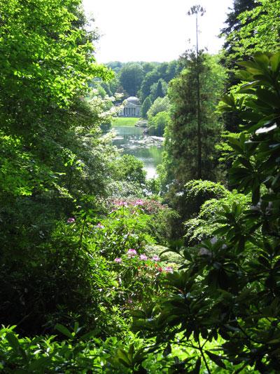 Stourhead-through-the-trees