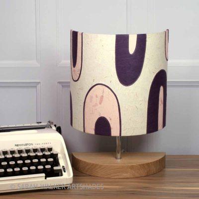 Retro Loops pink lamp